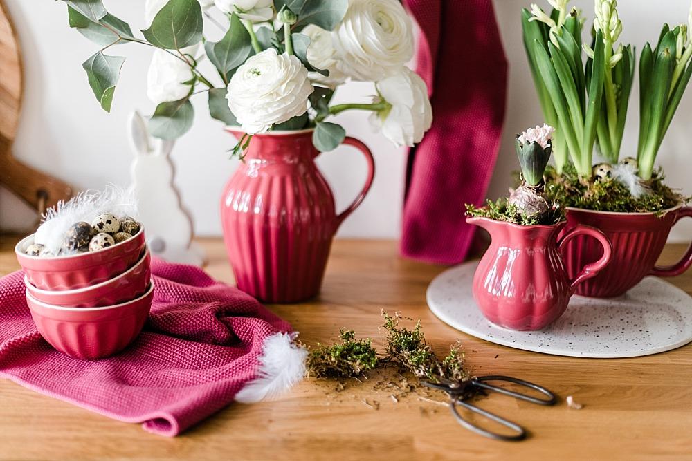 Frühlingsdekoideen mit Blumen